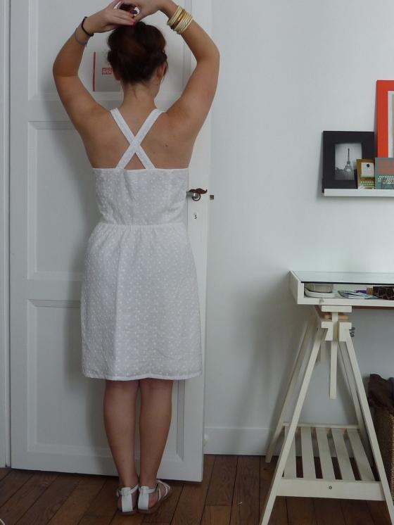 robe blanche dos